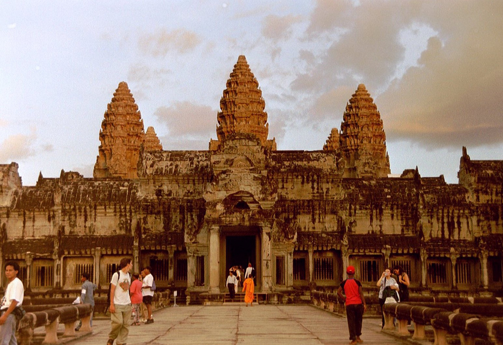 4 Days and 3 Nights Mixed Group Trip to Cambodia